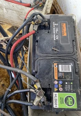 Incorrect and inadequate battery connections